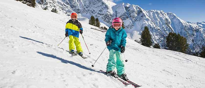 Austria_Obergurgl_skiers_kids.jpg